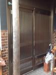 夏目邸玄関取替前.JPG